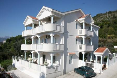 Luxury houses for sale in Tivat. Villa – Tivat (city), Tivat, Montenegro