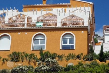 Cheap townhouses for sale in Moraira. Terraced house – Moraira, Valencia, Spain