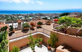 3 bedroom apartments for sale in Bordighera. Luxury apartment with a panoramic terrace on the hill with a breathtaking view of the sea and the city in Bordighera, Liguria