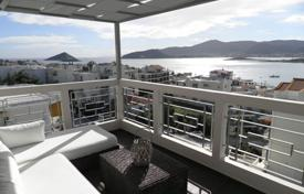 Residential for sale in Porto Rafti. High-end apartment with a panoramic sea view, at 50 meters from the beach, Porto Rafti, Greece