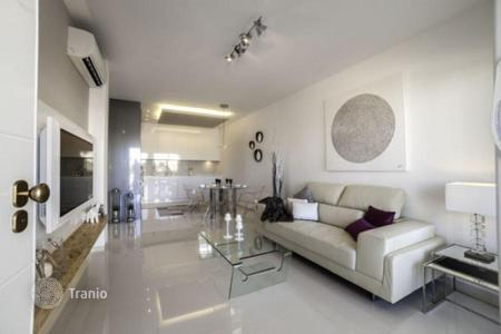 Cheap 3 bedroom apartments for sale in Costa Blanca. Apartments near the beach in Orihuela Costa
