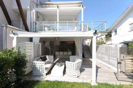 Coastal residential for sale in Emilia-Romagna. Terraced house – Milano Marittima, Emilia-Romagna, Italy