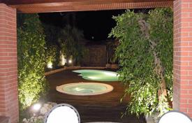 Houses with pools for sale in Italy. Villa – Rome, Lazio, Italy