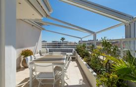 Top floor apartment with terrace in the Carre d'Or-Roof top for 1,590,000 €