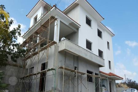 4 bedroom houses by the sea for sale in Agios Athanasios. Four Bedroom Detached House