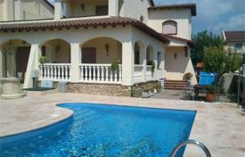 Coastal residential for sale in Creixell. Villa – Creixell, Catalonia, Spain