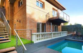Houses with pools for sale in Alella. House in Alella, Barcelona