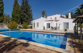 Attractive 4 Bedroom Villa with Heated Pool Close to Beach, Armação de Pêra for 591,000 $