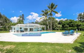 Spacious villa with a backyard, a swimming pool, a relaxation area, a terrace and a parking, Miami, USA for $949,000
