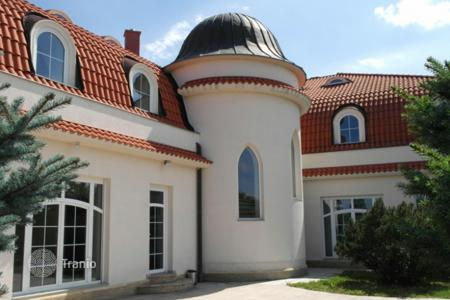 Residential for sale in Central Bohemia. Villa - Central Bohemia, Czech Republic