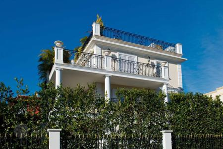 Luxury houses for sale in Saint-Jean-Cap-Ferrat. Exceptional town home in Saint Jean Cap Ferrat