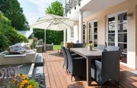 Luxury apartments for sale in Munich. Apartment with a terrace and a private garden, in a residence with a parking, in Bogenhausen district, Munich, Germany