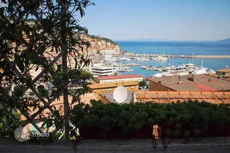 Property for sale in Monte Argentario. Apartment – Monte Argentario, Tuscany, Italy
