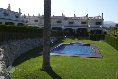 Townhouses for sale in Costa Dorada. Terraced house – Miami Platja, Catalonia, Spain