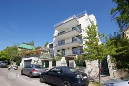 2 bedroom apartments for sale in Vienna. Comfortable apartment with balcony in Döbling, Austria
