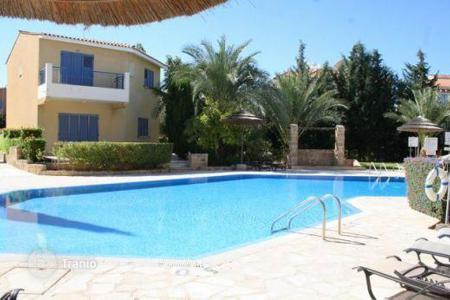 Coastal townhouses for sale in Paphos. Regina Gardens complex, end townhouse, 4 bedrooms, investment potential, communal pool,