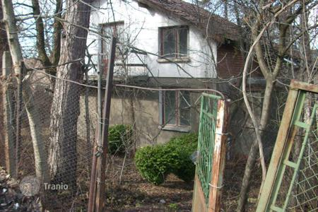Cheap residential for sale in Bankya. Detached house - Bankya, Sofia-grad, Bulgaria