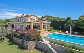 Residential for sale in Le Cannet. Close to Cannes — Heights — Family property