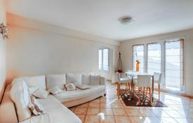 Cheap 3 bedroom apartments for sale in France. Spacious apartment with a terrace and panoramic sea views, Nice, France
