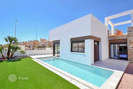 Houses for sale in Cabo Roig. 2 bedroom villas close to the beach in Orihuela Costa