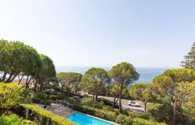 Apartments with pools by the sea for sale in France. Cap de Nice — Sea View