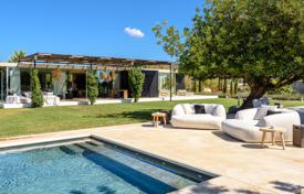 Property to rent in Santa Eulalia del Río. Villa with a pool, a gym and a cinema hall, close to the beaches and restaurants, San Lorenzo, Ibiza, Spain