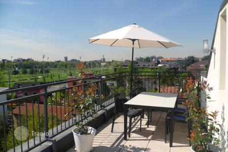 Penthouses for sale in Lombardy. Penthouse with a large terrace with panoramic views of the Hippodrome and Park Montestella, Milan