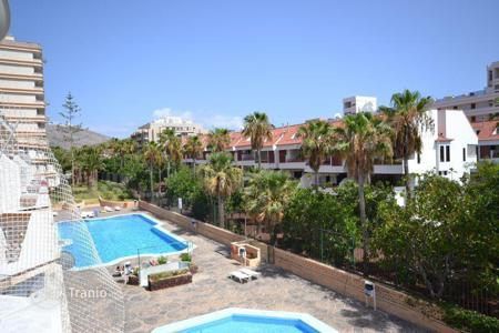 Cheap apartments with pools for sale in Tenerife. Bright fully furnished apartments in Las Americas