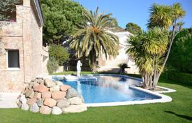 Houses with pools for sale in Cabrils. Detached property in Cabrils