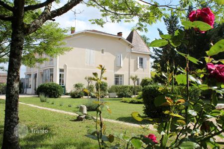 Business centres for sale in France. Business centre – Aquitaine, France