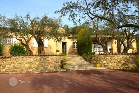 3 bedroom houses for sale in Valbonne. Valbonne — Charming Provencal villa