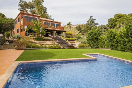 Luxury houses for sale in Catalonia. Villa – Sant Andreu de Llavaneres, Catalonia, Spain