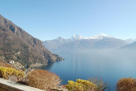 Apartments with pools for sale in Lake Como. Apartment – Lake Como, Lombardy, Italy