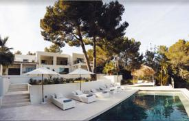Residential to rent in Es Cubells. Two-level villa with a pool, a parking and sea views in Es Cubells, Ibiza, Spain