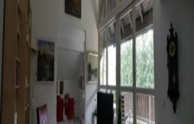 2 bedroom apartments for sale in Munich. Apartment with a loggia, in Harlaching district, Munich, Germany