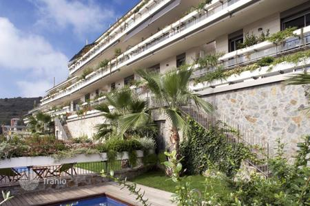 New homes for sale in Barcelona. High class duplex apartment with private pool and garden, near the park Collserola, district Sarria-Sant Gervasi, Barcelona