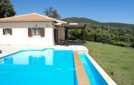 Houses for sale in Levkas. Lefkada. FOR SALE: 2 independent villas in a plot of 5.500 m² with great view to the Ionian sea