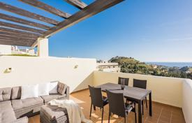 2 bedroom apartments by the sea for sale in Benalmadena. Penthouse for sale in Benalmadena
