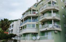 2 bedroom apartments by the sea for sale in Petrovac. Apartment near the beach in Petrovac