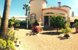3 bedroom houses for sale in Los Dolses. Villa with a garden and a parking in a prestigious area, Los Dolses, Alicante
