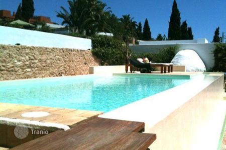 Luxury 3 bedroom houses for sale in Balearic Islands. Villa on the Golf Course with Commercial Potential