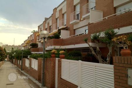 Townhouses for sale in Montgat. Terraced house – Montgat, Catalonia, Spain