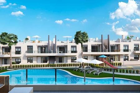 Coastal apartments for sale in Mil Palmeras. 3 bedroom apartment with garden, 400 meters from the sea in Las Mil Palmeras