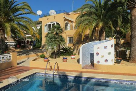 Property for sale in Moravit. 4 bedroom villa with private pool, sea views, summer dining areas and BBQ in Moraira