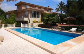 Luxury property for sale in La Nucia. Villa – La Nucia, Valencia, Spain