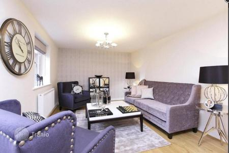 Property for sale in Western Europe. Modern apartment with a balcony in new building, near the Stave Hill Ecological Park and the city center, in Rotherhithe, London