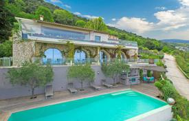 Villas and houses to rent in Tourrettes-sur-Loup. Tourrettes-sur-Loup — Panoramic sea view