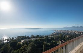 Luxury 4 bedroom apartments for sale in Côte d'Azur (French Riviera). Sumptuous Penthouse — Cannes Californie
