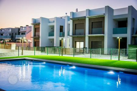 Cheap apartments with pools for sale in Ciudad Quesada. Apartment – Ciudad Quesada, Valencia, Spain