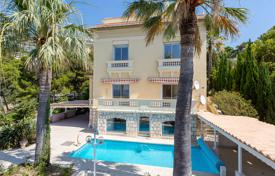 Houses with pools for sale in Cap d'Ail. Four-storey villa with an elevator, a pool, a picturesque garden and a guest villa, overlooking the sea, just minutes from Monaco, Cap-d'Ay